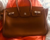 Birkin Hermès 32CM Bag in Clemence Leather and Gold Hardware  Great Neck Plaza, 11021