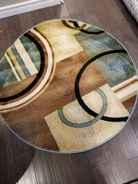 "Brand new area rug 3'11"" round Mississauga, L5J 4E6"