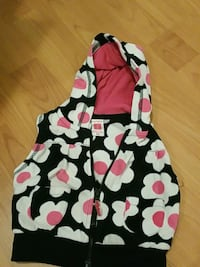 Cute floral pattern vest Richmond, V6Y 2S1