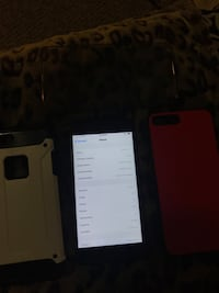 (Cracked) Iphone 7Plus Good Condition Burnaby, V5G 1K8
