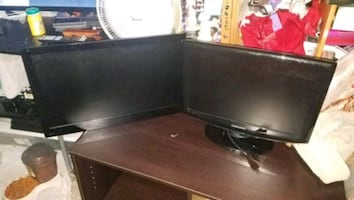 2 flat screens 22 inch and 13 inch