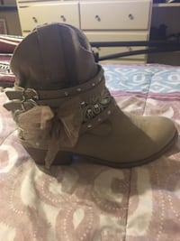 Beautiful cowgirl boots null