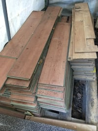 Gently used laminate flooring.... Great for a cottage, a rec room or basement Ajax, L1S 3P5