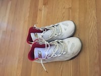 pair of gray-and-red Nike basketball shoes Toronto, M2R 2M7