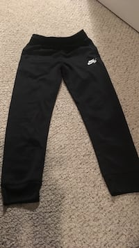 Boys black nike sweatpants St Thomas, N5R 6J2