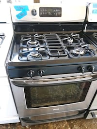 Gas stove excellent condition  75 km