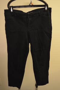 Woman's Old Navy Pixie Pants  Mississauga