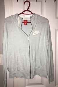 Nike sweater  Barrie, L4M 6X4
