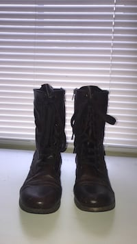 Size 8.5 boots 38 km