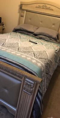 white and gray floral bed comforter Monroeville, 15146