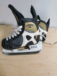 Kids ccm tacks hockey skates size 8
