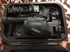 Canon 8mm camcorder in case - MISSING POWER CORD!