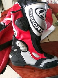 Track racing boots