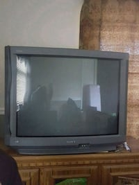black CRT TV with remote Jacksonville, 28546