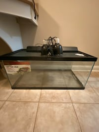 Zilla Critter/Reptile Cage and Heat Lamps