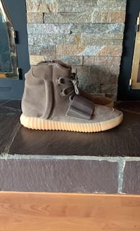 Yeezy 750 Chocolate Size US10 West Vancouver, V7P