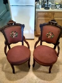 Pair of antique chairs Baltimore, 21202