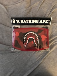 Red bape mask Westminster, 80021