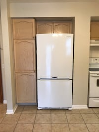 White fridge and stove Vaughan