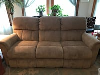 Couch with 2 built in recliners Uxbridge, 01569
