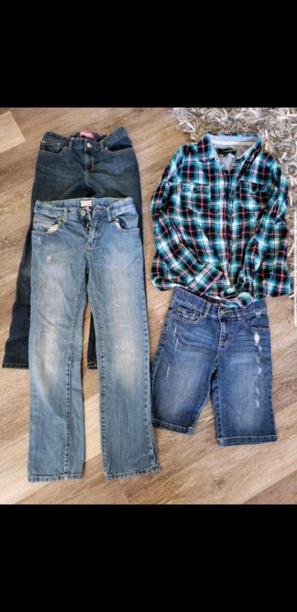 Size 10 to 12 year old lot excellent shape