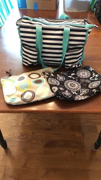 31 Zippered Totes and Cosmetics Bags Hagerstown, 21740