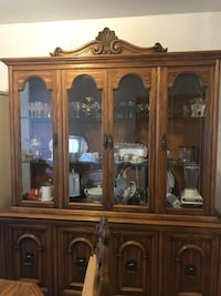Dining room set solid wood comes with 6 chairs and two extensions  Montréal, H1G 5Z4