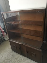 British made display case, glass sticks on left side, negotiable Alexandria, 22314