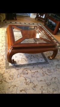 Solid wood coffee table Beaconsfield, H9W 1K3