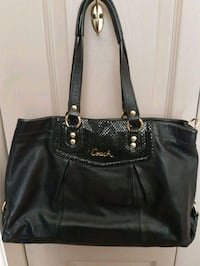 Coach leather 2 way bag Whitby, L1N 8X2