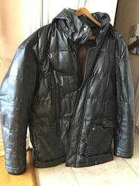 Black leather jacket winter lining worse 349.00 for a deal of 100.00 Montréal, H3W 2E3