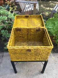 brown wicker basket with lid Los Angeles, 90049