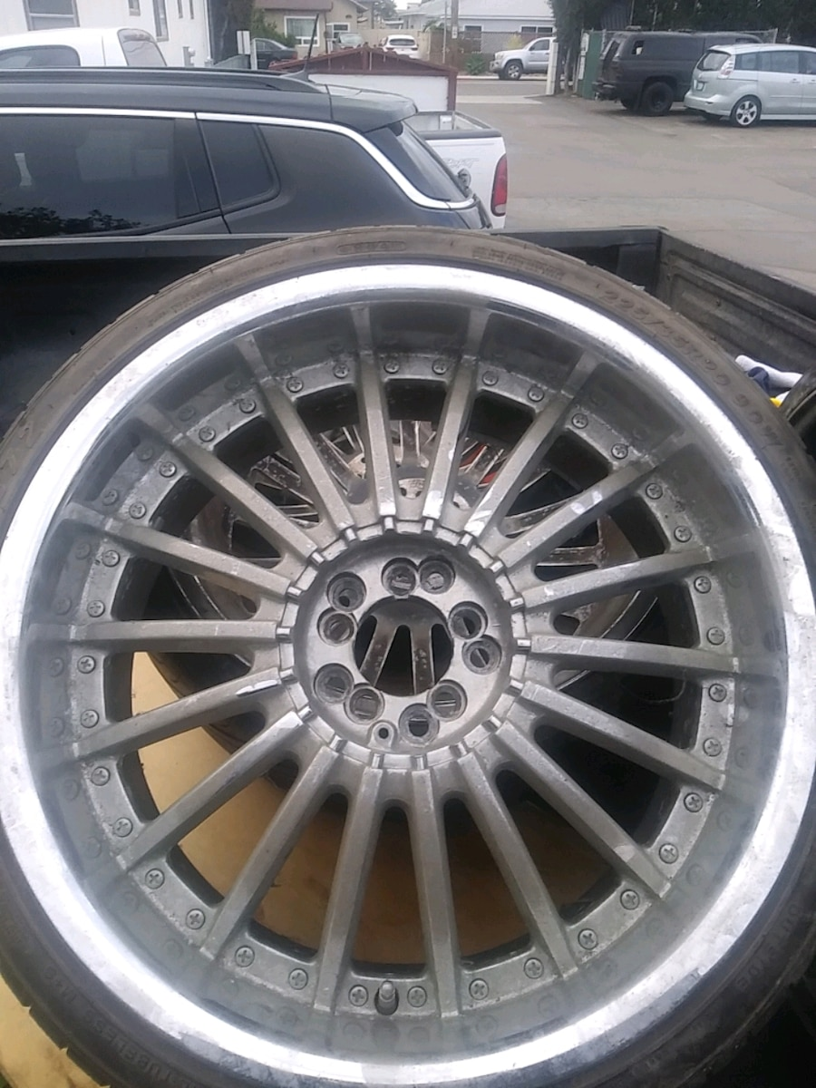 Photo Rims and tires low pro 20s