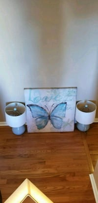 ☆ Matching 30x30 picture and 2 lamps. Smoke free h New Albany, 47150