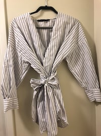 White and black pinstripe dress shirt Toronto, M3A 1E6