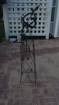 Black and gray metal stand Wilmington, 28411