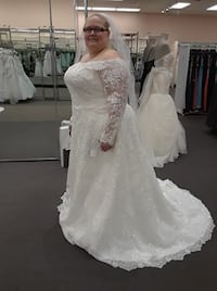 Size 24W Oleg Cassini Sequin and Lace Wedding Gown, Bustier, Veil Comb and Slip 46 km