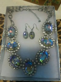 Earrings and necklace Corpus Christi, 78404