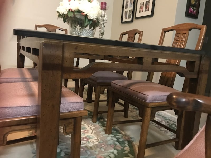 Rectangular glass top table with 8  chairs dining set 92d6812f-a906-4545-a5d4-b403cbc25501