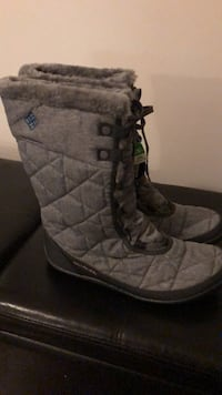Ladies Size 12 Columbia Winter Booths  Brampton, L6V 0W1