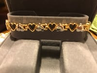 Pretty gold & silver Heart Bracelet  Gainesville, 20155