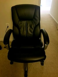 black leather office rolling chair Herndon, 20171
