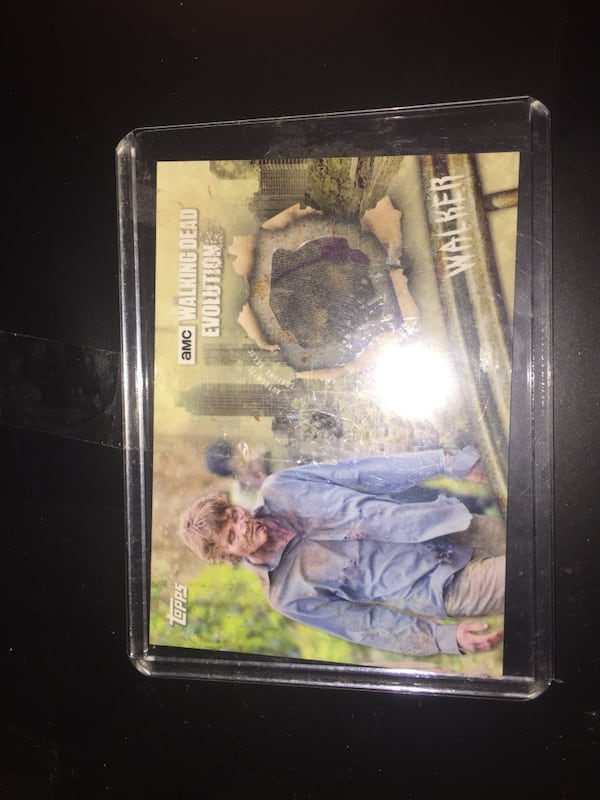 The Walking Dead relic cards 0