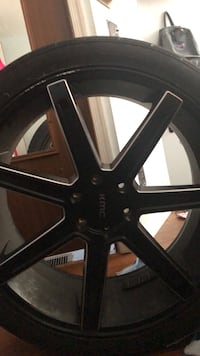 4 tires , there new & in good conditions size : 24 Alexandria
