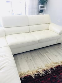 White sofa leather bought from Leon used tow month  Toronto, M4C 5J7