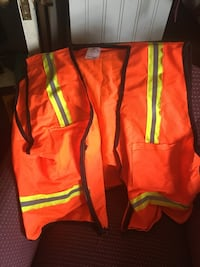 2 safety construction vest , reflector. $10.00 each . Loudon is the location  Knoxville, 37932