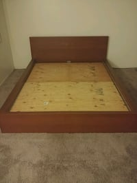 Wooden bed frame pickup today Torrance, 90503