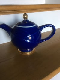 Vintage Blue ceramic HALL teapot. Pickup in Nicholasville Nicholasville, 40356