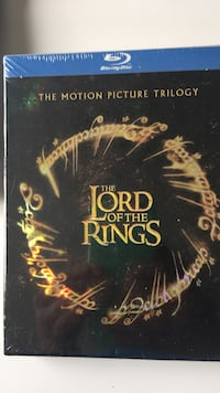 Lord of the rings trilogy blue ray In plastic Pickering, L1X 2S6