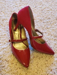 Beautiful deep red pumps, size 8.5 Oregon City, 97045